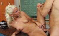 Tasha Loxx fa la professoressa porca