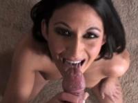 Mignotta brunetta presta un eccitante bocchino
