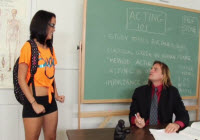La studentessa Dillion Harper fottuta in classe