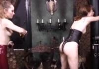 Perversioni fetish tra tre baldracche assatanate