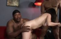 Gangbang con una brava puttana eccitata