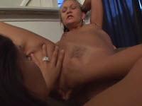 Sesso lesbo con due troie ninfomane